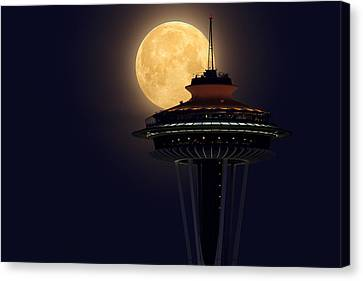 Supermoon 2012 Canvas Print by Quynh Ton
