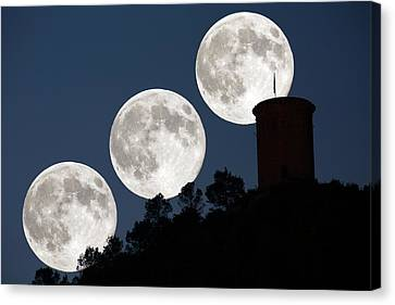 Supermoon Canvas Print