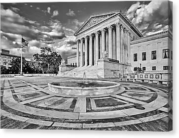 Supreme Court Of The United States Bw Canvas Print by Susan Candelario