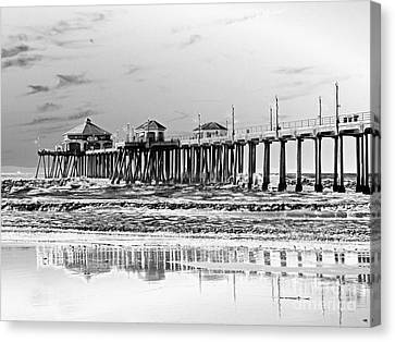 Surf City U S A  Canvas Print by Everette McMahan jr