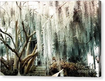 Surreal Gothic Savannah House Spanish Moss Hanging Trees - Savannah Mint Green Moss Trees Canvas Print