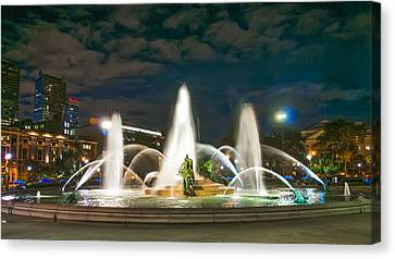 Swann Fountain At Night - Philadelphia Canvas Print by Bill Cannon