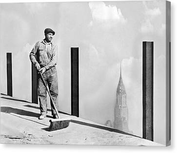 Sweeping The Empire State Bldg Canvas Print by Underwood Archives