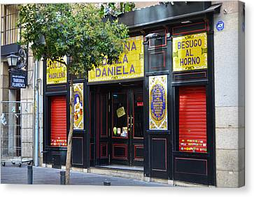 Taberna De La Daniela Canvas Print by RicardMN Photography