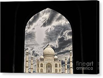 Taj Mahal -a Monument Of Love Canvas Print by Vineesh Edakkara