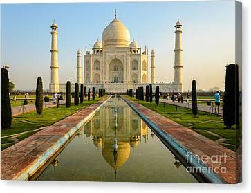 Taj Mahal Canvas Print by R M Guijt