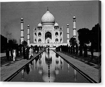 Tomb Canvas Print - Taj Mahal View From The Front by Retro Images Archive