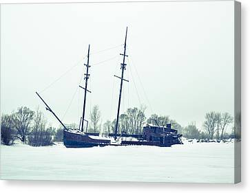 Tall Shipp At Jordan Marina Canvas Print