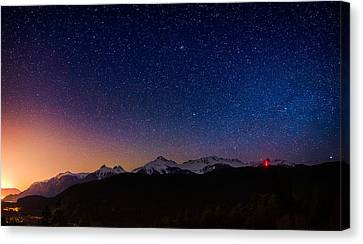 Tantalus Lookout Canvas Print by Alexis Birkill