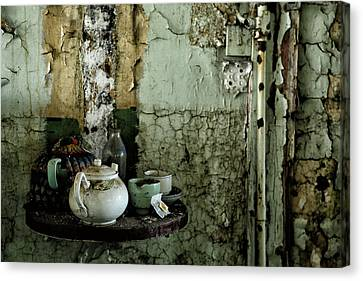Tea For 2 Canvas Print by Russ Dixon