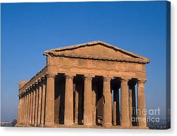 Temple Of Concordia, Sicily Canvas Print by Catherine Ursillo