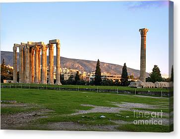 Temple Of Olympian Zeus. Athens Canvas Print by Ilan Rosen
