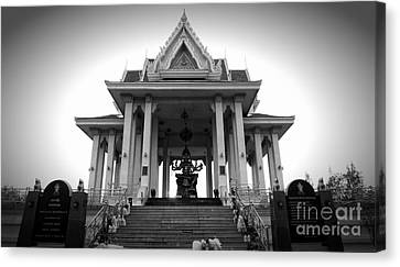 Temple Steps Canvas Print by Thanh Tran