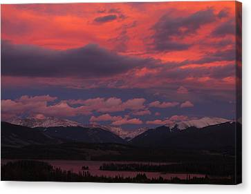 Ten Mile Range At Sunset Canvas Print by Jetson Nguyen