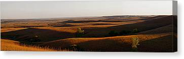 Texaco Hill Sunset Canvas Print by Thomas Bomstad