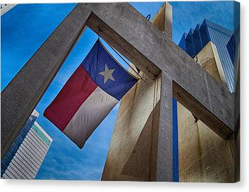 Canvas Print featuring the photograph Texas State Flag Downtown Dallas by Kathy Churchman