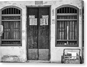 Thai House In Black And White Canvas Print by Georgia Fowler