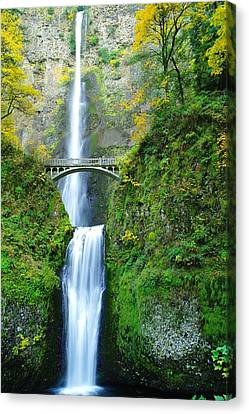 The Beauty Of Multnomah Falls Canvas Print