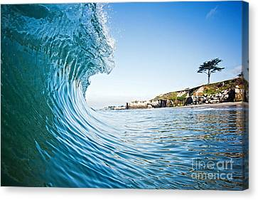 Canvas Print featuring the photograph The Blue Curl by Paul Topp