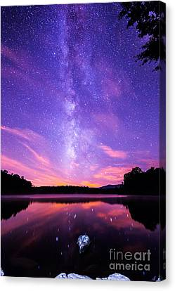 The Bold And Beautiful Milky Way Canvas Print by Robert Loe