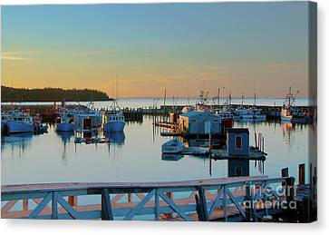The Break Of A New Day... Canvas Print by Nina Stavlund