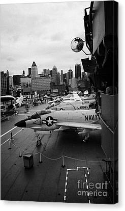 the bridge of the USS Intrepid at the Intrepid Sea Air Space Museum new york city Canvas Print by Joe Fox