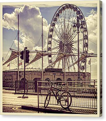 Canvas Print featuring the photograph The Brighton Wheel by Chris Lord