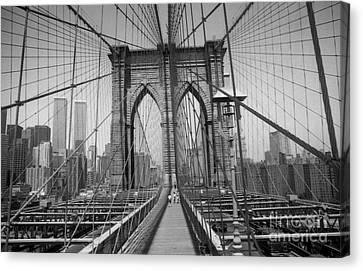 The Brooklyn Bridge Before Nine Eleven Canvas Print by Steven Spak