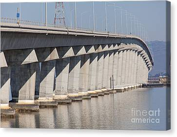 The Dumbarton Bridge In The South Bay Area California 5dimg2614 Canvas Print by Wingsdomain Art and Photography