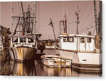 D700 Canvas Print - The Fisherman's Office by Chris Modlin