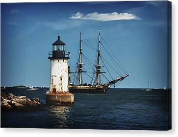 The Friendship Returns To Salem Harbor Canvas Print by Jeff Folger