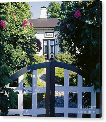 The Front Garden Canvas Print by Heiko Koehrer-Wagner