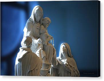 The Gift Of The Rosaries Statue Canvas Print by Thomas Woolworth