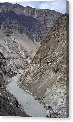 The Hunza River In Pakistan Canvas Print by Robert Preston