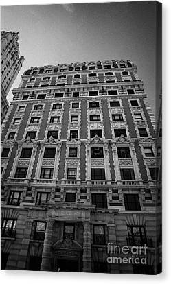 the Kenilworth building 151 Central Park West upper west side new york city Canvas Print by Joe Fox