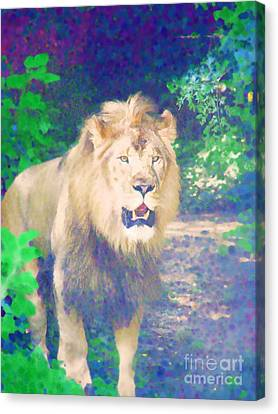 Canvas Print featuring the photograph The King by Diane Miller