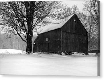 The Kinney Barn By Thomas Schoeller Canvas Print by Thomas Schoeller