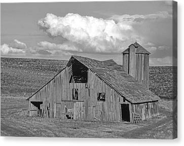 The Lewiston Breaks Barn Canvas Print by Latah Trail Foundation