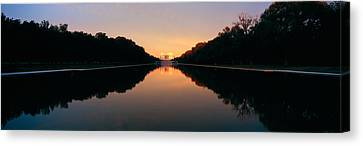 The Lincoln Memorial At Sunset Canvas Print by Panoramic Images