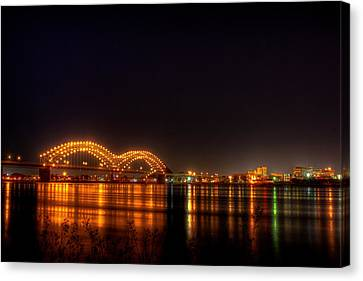 The M Bridge Over The Mississippi River At Memphis Tn Canvas Print
