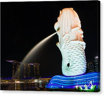 The Merlion - Singapore Canvas Print by Pete Reynolds