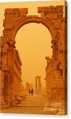The Monumental Arch At Palmyra Syria In The Light After A Sandstorm Canvas Print by Robert Preston