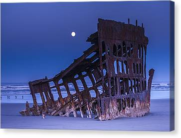 Fort Stevens State Park Canvas Print - The Moon Sets Over The Wreck by Robert L. Potts