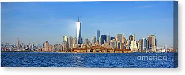Canvas Print featuring the photograph The New Manhattan by Olivier Le Queinec