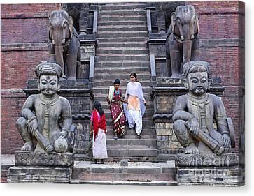 The Nyatapola Temple At Bhaktapur In Nepal Canvas Print by Robert Preston
