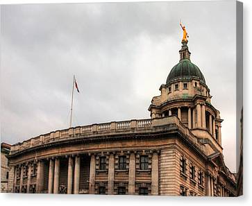 The Old Bailey London Canvas Print by Shirley Mitchell