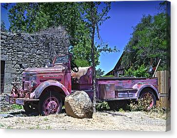 The Old Firetruck Canvas Print