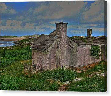 Canvas Print featuring the photograph The Old Hilltop by Kandy Hurley