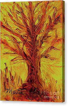 The Old Oak Tree I Canvas Print by Larry Martin