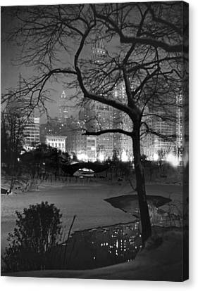 The Pond In Central Park Canvas Print by Underwood Archives